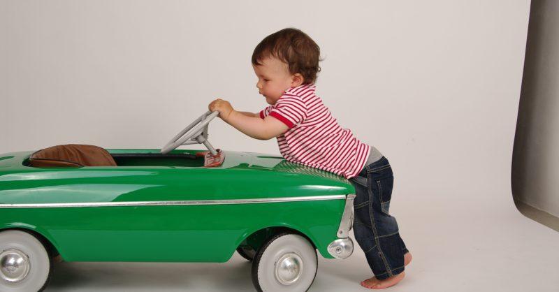 赤ちゃん,車